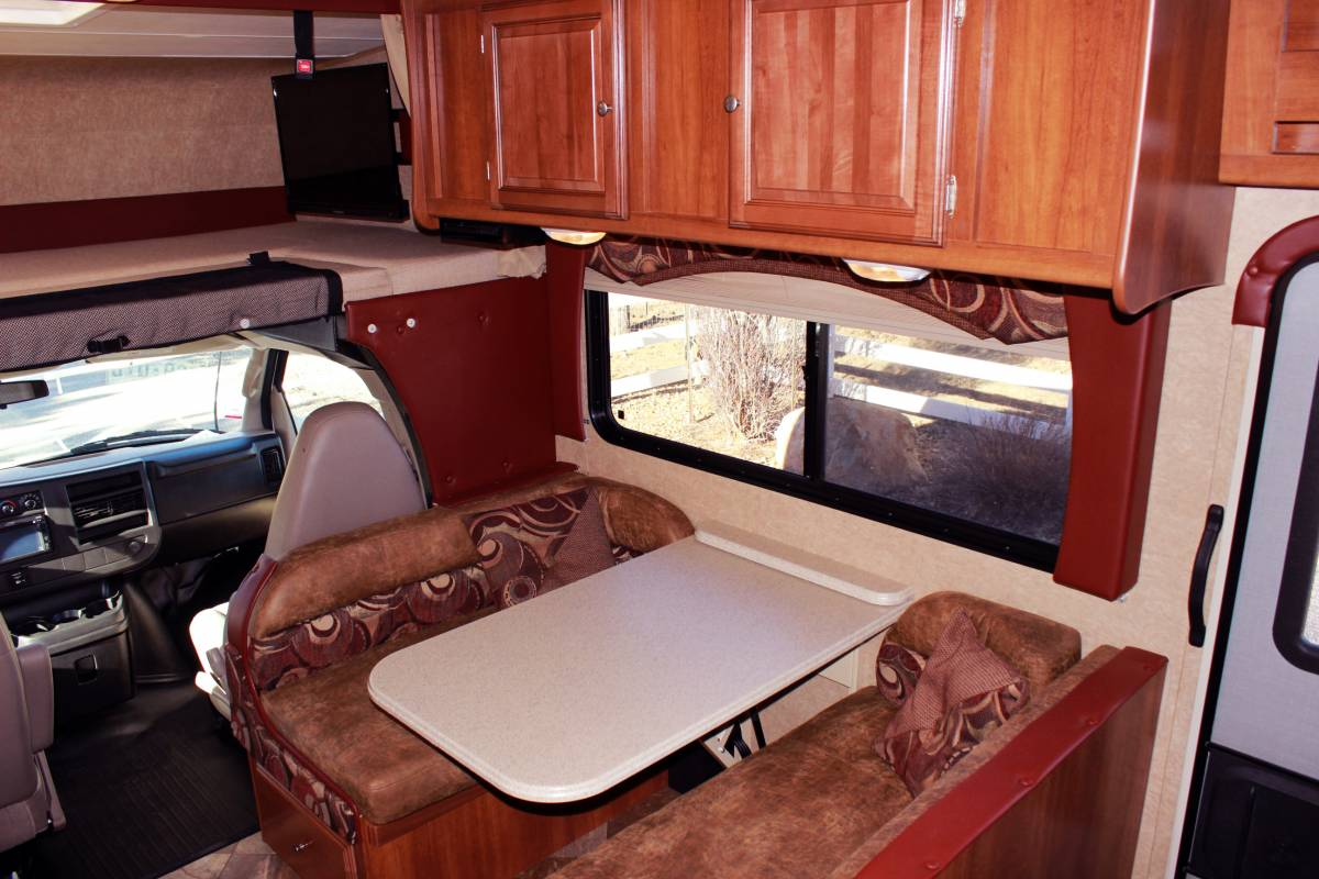 2015 Chevy Coachman Leprechaun w/2 slides and bunks RV Rental