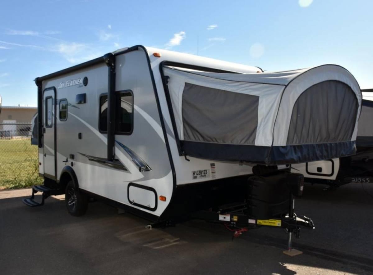 2017 Jayco Jay Feather Hybrid Travel Trailer RV Rentals