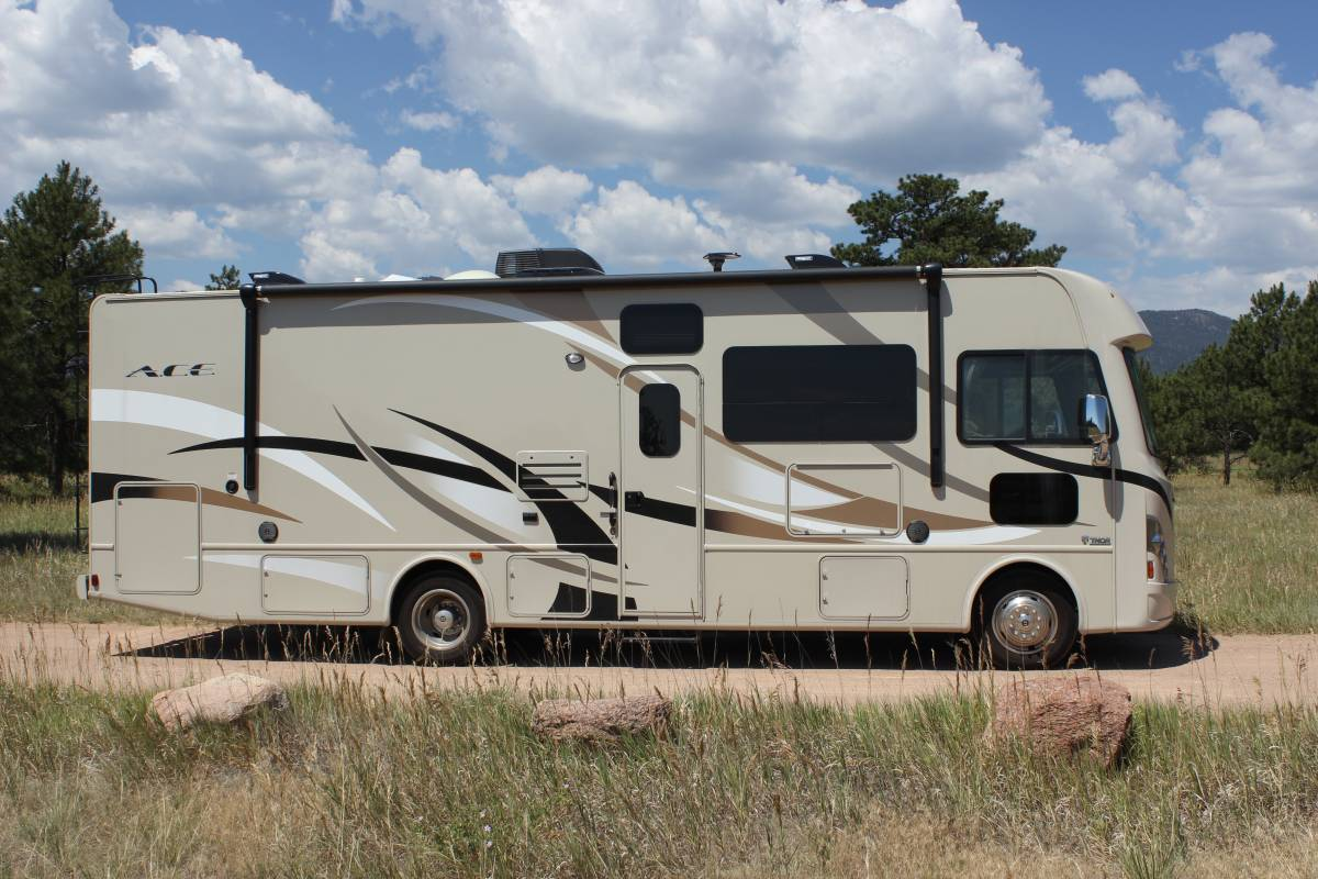 Toy hauler motorhomes thor motor coach autos post for Ace motor sales inc